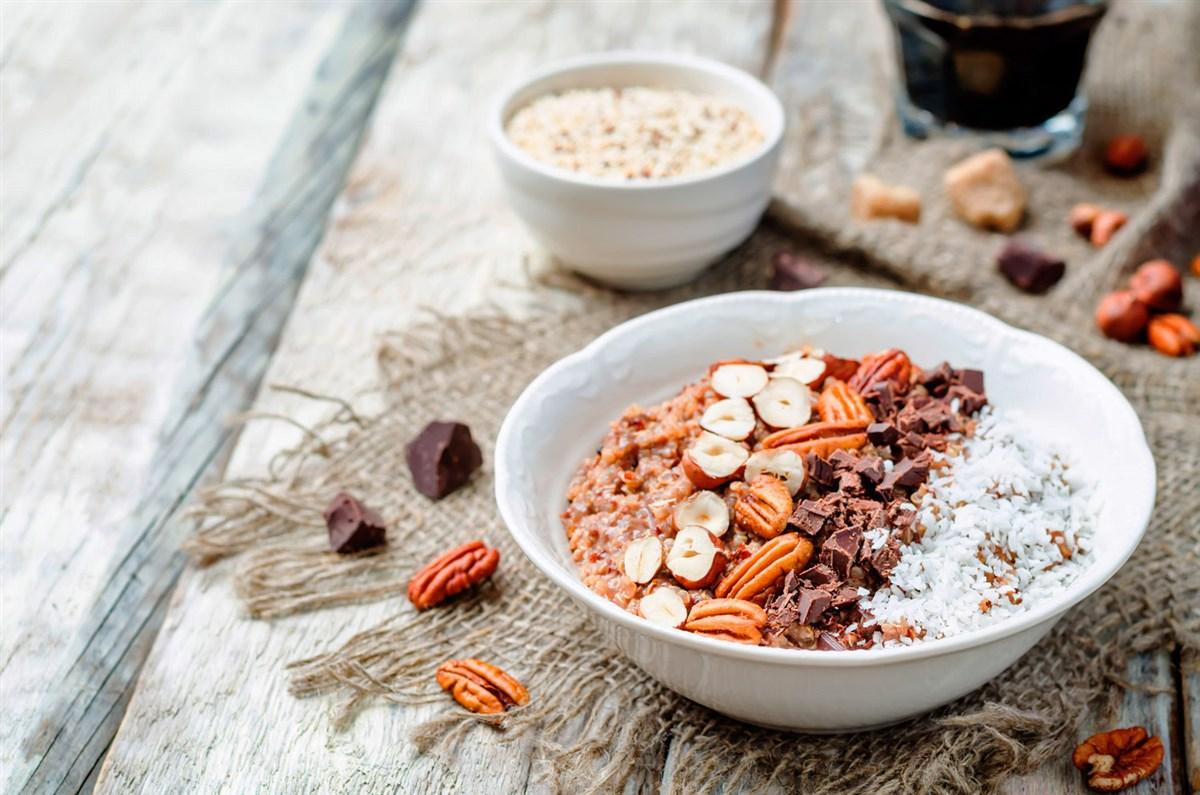 cuantos gramos de proteina se debe consumir diario