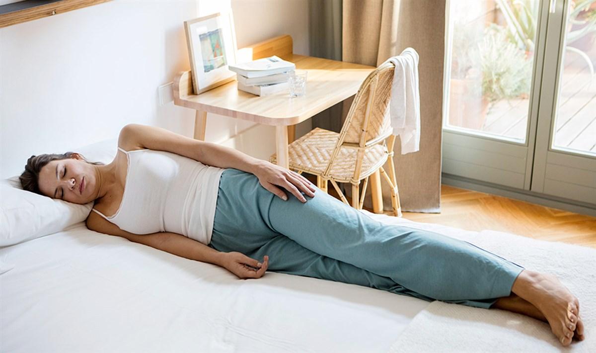 cómo cuidar tus cervicales y espalda con la mejor postura para dormir