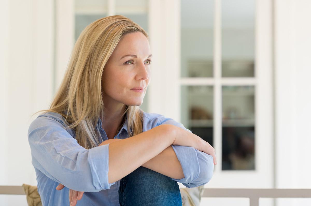 A que edad empieza la menopausia y sintomas